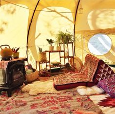 camping in tent Bell Tent Camping, Camping Glamping, Camping Ideas, Lotus Belle Tent, Tent Living, Outdoor Living, Camping Storage, Canvas Tent, Bohemian Living