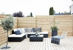 We love the intimate lounge atmosphere on this beautiful terrace.