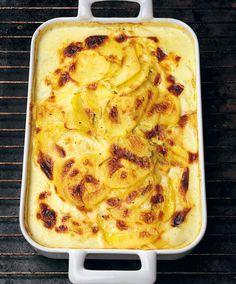 Recept Tinas potatisgratäng - Tina Nordström - Mat-Tina Norwegian Food, Swedish Recipes, Norwegian Recipes, Tasty, Yummy Food, Macaroni And Cheese, Food And Drink, Snacks, Meals