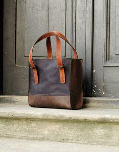 Ledertaschen - Tasche Schultertasche Leder mit Verschluss - ein Designerstück von ladybuqartstudio bei DaWanda