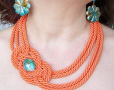 Etsy の Thread Wrapped Necklace Knot by agatsknitting