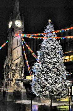 12 Amazing Christmas Lights Around the World - christmas lights ...