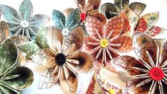 Fantastic Folded Flowers - and a nice little tutorial. Lots of inspiration. Folded Paper Flowers, Paper Flower Decor, Felt Flowers, Flower Decorations, Fabric Flowers, Crafts To Make, Fun Crafts, Paper Crafts, Christmas Food Gifts