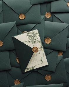 Royal green/ emerald green wedding invitations with gold wax seals and fine twine -- perfect for all rustic weddings / / © PAPIRA Wedding Invitations // PAPIRA invitatii de nunta Wedding Goals, Wedding Themes, Our Wedding, Wedding Planning, Dream Wedding, Sage Wedding, Destination Wedding, Green Wedding Invitations, Wedding Stationery