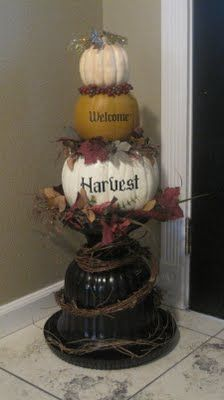 Fall decor urn with pumpkins. Thanksgiving Crafts, Thanksgiving Decorations, Fall Crafts, Decor Crafts, Holiday Crafts, Holiday Fun, Holiday Decor, Fall Halloween, Halloween Crafts