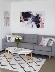 Ideas to Decorate Small Living Room Apartment on a Budget 2018 Home decor ideas Diy home decor Apartment decorating Cozy living room Modern living room Grey living room Couch Small Space Living Room, Living Room Paint, Living Room Grey, Living Room Decor, Small Spaces, Small Rooms, Living Spaces, Living Room Modern, Living Room Interior