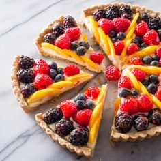 A showpiece when whole, a classic fresh fruit tart rarely retains its good looks when sliced—a pity, when it takes hours to make. A new approach was in order. Fresh Fruit Tart, Fruit Tarts, Fruit Fruit, Fruit Tart Glaze, Dessert Tarts, Fruit Diet, Oreo Dessert, Food Fresh, Caramel Tart