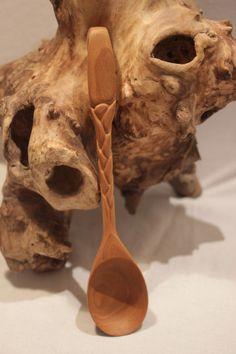 Ложка деревянная резная - ручная работа