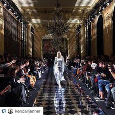 #beautiful show! @kendalljenner Opening Balmain! #BALMAIN #parisfashionweek2016 #Paris @olivier_rousteing #Repost @kendalljenner #krisjenner #krisisms