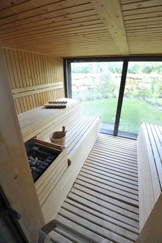 Detox and cleanse your system in the sauna at Finisterra Spa at Martinhal. Taking a sauna before a massage is hugely beneficial. Enjoy the view outside as you're relaxing in the sauna. Sauna Steam Room, Sauna Room, Modern Saunas, Sauna Wellness, Sauna Seca, Luxury Family Holidays, Sauna House, Dry Sauna, Outdoor Sauna