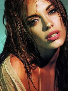 Take a look at these stunning Emilia Attias pictures and you will understand why she is one of the most beautiful Argentinian women in the entertainment industry. Beauty Art, Beauty Women, Beauty Makeup, Beautiful People, Most Beautiful, Beautiful Women, Emilia Attias, Wallpaper Space, Exotic Beauties