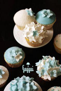 amazing wedding cup cakes by Gaggui Jonna