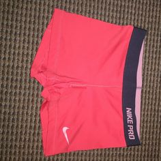 Nike Pro Spandex Nike Pro spandex, worn maybe once or twice. They are the old type and no longer available in stores. Nike Shorts