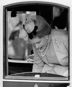 """margaretroses: """" Queen Elizabeth II arriving at Westminster Abbey for her sister, Princess Margaret's wedding on 6 May """" Hm The Queen, Her Majesty The Queen, Save The Queen, Windsor, Queen Elizabeths Sister, Queen Hat, Prince Phillip, Queen Of England, Elisabeth"""