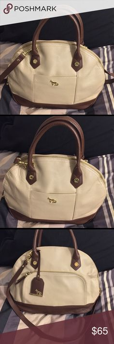 EMMA FOX Classic Dome Satchel*EF031M14 Description: * Emma Fox  * Collection Style : Dome Satchel EF031M14 * Genuine Leather * Color : Almond/Clove * Top Zip Closure * Exterior, gold tone hardware, 1 zip & 1 slip pocket * Interior, 1 zip & 2 slip pockets  This item was gently used a few occasions and is in great condition. Emma Fox Bags Satchels