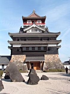 Built somewhere between 1394 and 1427, Kiyosu Castle is located in Aichi Prefecture, Japan. It was a base of Oda Nobunaga who appeared in the Kurosawa movie Kagemusha, and as Goroda in James Clavell's Shogun.