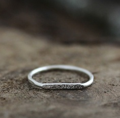 Signet_stardust_ring_by_andrea_bonelli_silver-sixhundred