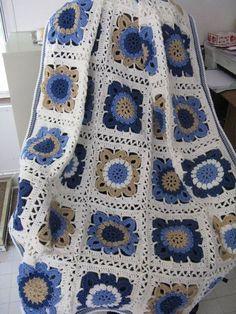 Transcendent Crochet a Solid Granny Square Ideas. Inconceivable Crochet a Solid Granny Square Ideas. Crochet Afghans, Crochet Granny Square Afghan, Crochet Quilt, Crochet Blocks, Crochet Blanket Patterns, Crochet Motif, Free Crochet, Knit Crochet, Granny Squares