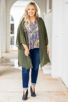 Plus Size Cardigans, Lace Cardigan, Olive Green Color, Effortless Chic, Basic Tops, Body Types, Curvy, Fashion Dresses, Dressing