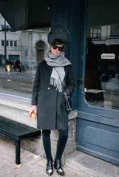 Easy, classic winter layers - dark grey coat over black denim, groovy boots and . - Easy, classic winter layers – dark grey coat over black denim, groovy boots and black cross body - Fashion Mode, Trendy Fashion, Fashion Outfits, Style Fashion, Winter Outfits Women, Casual Winter Outfits, Minimalist Outfit, Bootfahren Outfit, Denim Noir