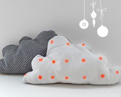 DIY cloud pillow - anmutig.blogspot.com/search/label/diy