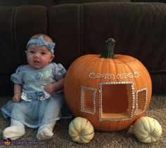 Stacey: My daughter Mia is Cinderella and she's with her beautiful carriage! Matching Family Halloween Costumes, Halloween Baby Pictures, Babys 1st Halloween, Halloween Bebes, Baby Girl Halloween Costumes, Halloween Costume Contest, Baby Costumes, Halloween Fun, Fall Baby Pictures