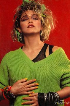 madonna A time when clothes had a bigger personality than the people wearing them. 80s Party Outfits, 80s Outfit, Look 80s, Madona, 80s Costume, Halloween Costumes, Halloween Halloween, 80s Fashion, Fashion Trends