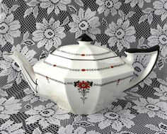 Shelley Red Daisy Tea Pot Teapot Queen Anne Square Art Deco Tea Pot 1930s