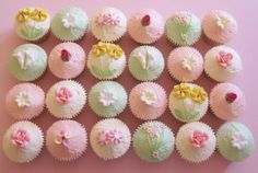 Floral Cakes M PS