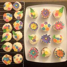 cupcake kreasi 1.. yg mau bisa dipesan yaaa :)