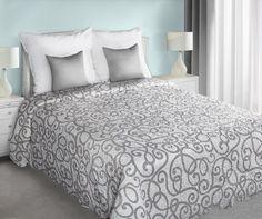 Dwustronna pikowana biała narzuta na łóżko z szarym ornamentem