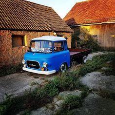 East German Car, Old School Cars, Top Cars, Chevrolet Trucks, Cool Walls, Retro, Cars And Motorcycles, Transportation, Automobile