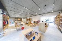 Nakagawa Masashichi Shoten Omotesando Shop & Office | Schemata Architects / Jo Nagasaka