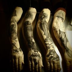 Guy le Tatooer, is one of our favorites artists/tattooists, he is French and lives Toulouse. Guy had a very interesting exhibit at Paris' La Galerie Gimpel & Müller, he has been using silicone molds of his arm and using a traditional electric tattoo method, Guy then produced these unique works.