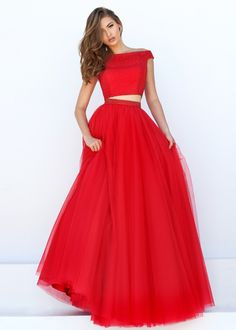 2016 Two Piece Beaded Crop Top Cap Sleeves Red Tulle Ball Gown