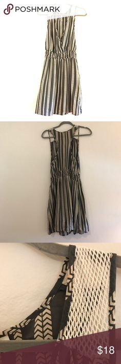 Casual dress with gray and cream silk and mesh Med Elegant and flirty.  Great addition to your spring wardrobe. Delicate silk material and gorgeous print. Dresses Midi