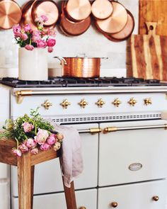 Modern French Country Style Decor Ideas For Kitchen 23 Country Look, Modern French Country, French Country Kitchens, French Country Farmhouse, Country Style Homes, French Country Decorating, French Cottage, European Kitchens, Country Bathrooms