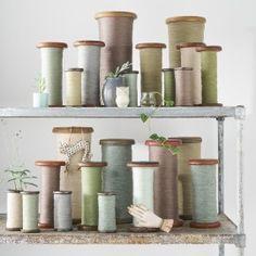 Bobine Pastel / DESUET.FR Vintage Sewing, Candle Holders, Creations, Miniatures, Pastel, Jar, Candles, Home Decor, Thread Spools