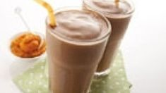 Smoothie recepty | Smoothie recepty Glass Of Milk, Smoothies, Pudding, Drinks, Desserts, Food, Smoothie, Drinking, Tailgate Desserts