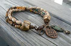 Earthy and rustic threefold charm bracelet by solekoru on Etsy, €29.00