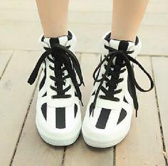 Stylish Peace love-Sneakers Flat Heel Sneakers (white)