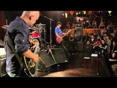 Pixies - Hey (Live Electric 2005) [HD]  Great band, great performance!!!!!!!