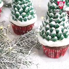 message: 😍Bake The Perfect Christmas Cupcakes!🎄🧁 😎These Christmas Edition Nozzles Makes Cake Decorating Extra Fun!🎂🍰 ✅Up To 20 Adorable Christmas Designs🦌🎅🏻 ✅Easy To Use Even For Beginner🤩 ✅Perfect For Cookies, Cake & Cream Puffs Best Christmas Cookies, Christmas Sweets, Christmas Cooking, Cake Icing, Cupcake Cakes, Christmas Cupcakes Decoration, Christmas Tree Cupcakes, How To Make Cookies, Savoury Cake