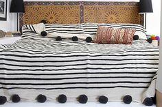 Moroccan Pom Pom Blanket Throw Bedspread, Hand woven with Pure Organic Hand Spun Wool, Cozy Warm Bedding, Ivory White & Black. Small Blankets, Cozy Blankets, Single Size Bed, Decor Logo, Gothic Home Decor, Sofa Throw, Hand Spinning, Home Interior, Bed Spreads