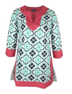 This Simply Southern cotton tunic makes for a perfect cover up and is comfortable enough for day-long wear. Featuring a curved split neckline and sleeves, it also has a straight hem with an 8 inch split on both sides. Simply Southern Shirts, Southern Outfits, Southern Girls, T Shirt Company, Lilly Pulitzer Tops, Cotton Tunics, White Pants, Cute Designs, Long Sleeve Tees
