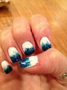 Vertical blue nail design gel polish