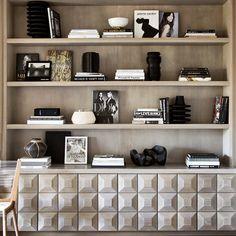 """Designed by @BESPOKEINTERIORDESIGNNYC #perfection#bookshelf#cubist#obsessed"""
