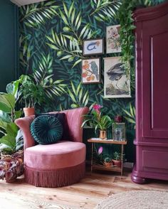 Proper combination of colors in the interior: 50 colors - Arredamento estivo Decor Room, Living Room Decor, Bold Living Room, Dark Living Rooms, Room Inspiration, Interior Inspiration, Design Inspiration, Design Ideas, Passion Deco