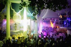 One of the oldest clubs on the island, Es Paradis has a Roman-style decor with all white marble pillars and floors. Arguably the most visually appealing and uniquely decorated club in Ibiza, Es Paradis is famous for its Water Parties (Fiesta Del Agua). Located in heart of San Antonio, right beside the water, the club has been around since 1975.