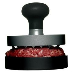 No summer barbecue is complete without our best-selling hamburger press! With this by your barbecue, you can't go wrong. Just put in your mincemeat mix, press and grill (or fry). The best-looking homemade burger ever! Bbq Burger, Bbq Hamburgers, Gourmet Burgers, Beef Burgers, Veggie Burgers, Barbacoa, Design3000, Homemade Burgers, Homemade Bbq
